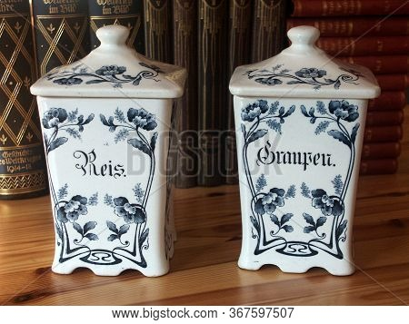 Old Blue And White Pottery Storage Jars For Rice And Pearl Barley With German Titles For Reis And Gr