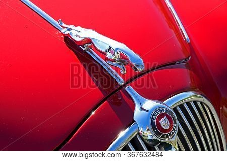 Weston-super-mare, Uk - April 2, 2017: Detail Of The Bonnet And Radiator Grille Of A 2.4 Litre Jagua