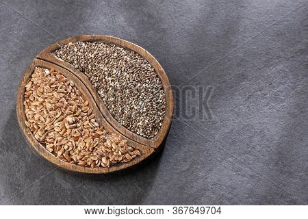 Organic Chia And Linseed Seeds. (salvia Hispanica - Linum Usitatissimum)