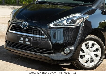 Novosibirsk/ Russia - May 03 2020: Black Toyota Sienta,  Front View.  Modern  Minivan Made In Japan