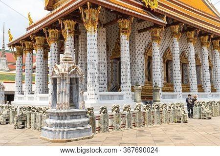 Wat Arun Temple In Bangkok Thailand. Wat Arun-buddhist Temple In Bangkoks Yai District Of Bangkok, T