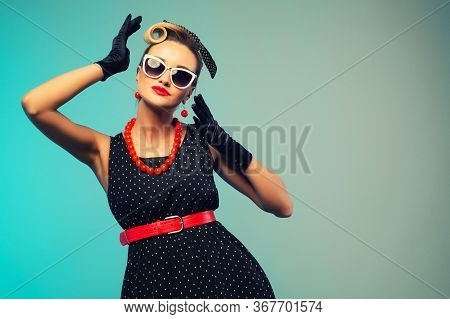 Funny Retro Portraits. Pin Up Woman Dressing Elegant For A Special Event. Beauty Fashion Model On Co
