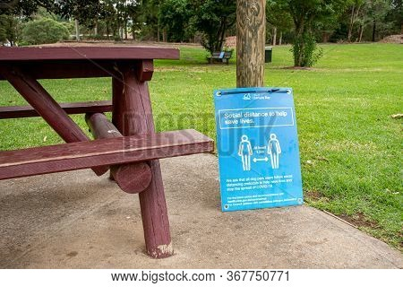 Sydney, Australia 2020-05-24 Social Distancing Sign In A Public Park In Nsw, Australia During The Co