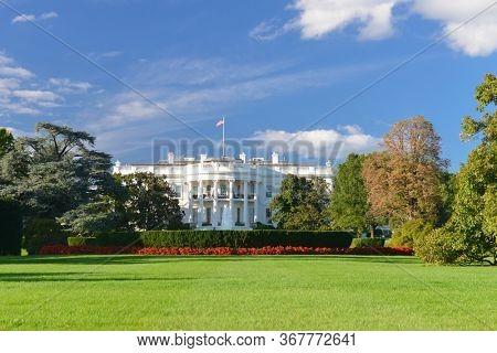 White House in Springtime - Washington D.C. United States of America