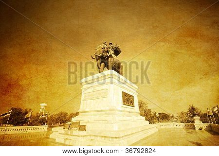 Monument Of King Naresuan Old Photo