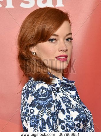 LOS ANGELES - JAN 11:  Jane Levy on the red carpet at the NBCUniversal Winter TCA 2020 on January 11, 2020 in Pasadena, CA