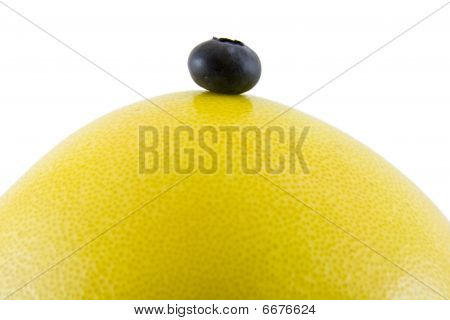 Grapefruit with blueberry top
