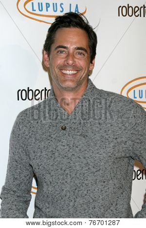 LOS ANGELES - NOV 21:  Adam Kaufman at the Lupus LA Bag Ladies Luncheon at the Beverly Hilton Hotel on November 21, 2014 in Beverly Hills, CA
