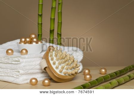Bath pearls with bamboo sticks