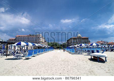 Luxurious Rest On The Beach In Viareggio In The Low Season