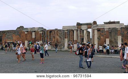 Pompeii Square