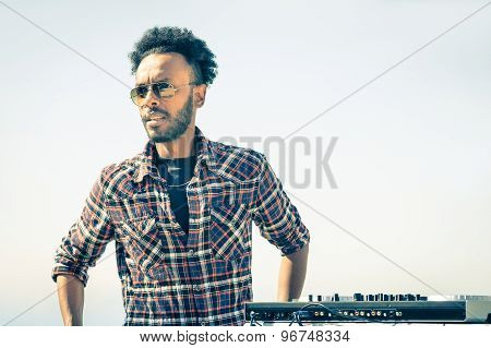 Afro American Model Artist Ready To Perform At Dj Console During Spring Break Festival - Hipster Fun