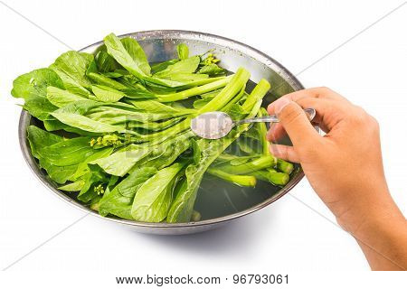 Soak vegetable with salt to remove pesticides residues from vegetables poster