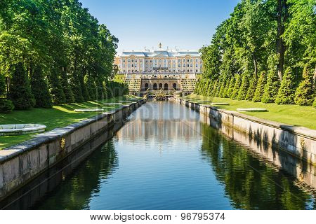 Grand Cascade Fountain And Palace In Peterhof