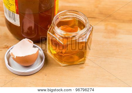 Egg shell soak in apple cider vinegar as home remedy to relieve itchy skin poster