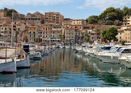 Port in the town of Sóller Palma