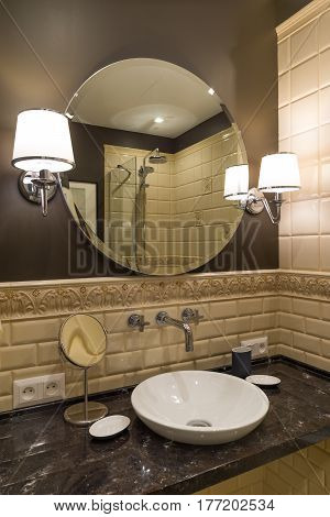 the Circle mirror Washbasin faucet luxurious bathroom