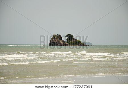 Island At Laem Charoen Beach And Mae Pim Beach