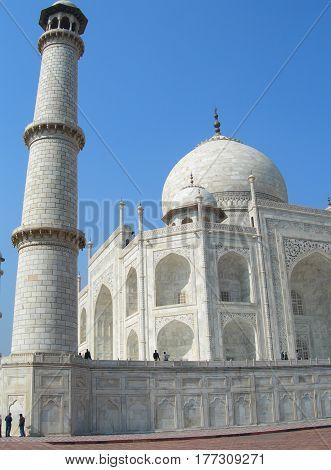 Taj Mahal Mausoleum Minaret