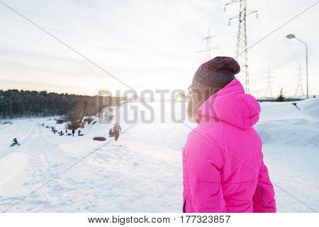Woman at heel at beauty winter day