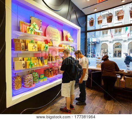 Godiva Chocolate Store Fifth Avenue In Manhattan