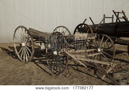 An abandoned wooden horse-drawn cart in California