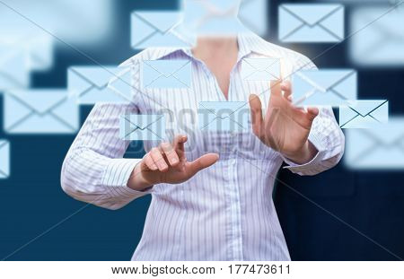 E-mailing Customers On The Internet.