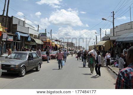 People at the Mercato Market of Addis Abeba, 31.October 2012