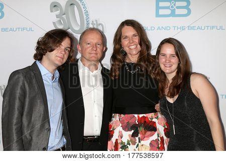 LOS ANGELES - MAR 19:  Cynthia J. Popp, family at the