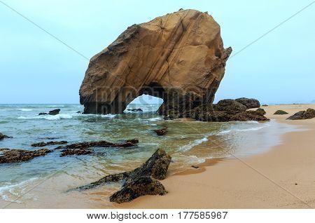 Praia De Santa Cruz (portugal).