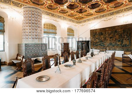 Mir, Belarus - September 1, 2016: Exposition The Dining Room Izba In Castle Complex Museum. Famous Landmark, Architectural Ensemble Of Feudalism, Ancient Cultural Monument, UNESCO Heritage