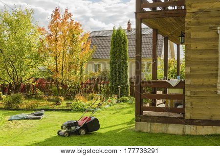 Mow the lawn prepare the pool for winter storage collect fallen leaves and remove from the annual flower beds - concern summer cottage garden before the winter season