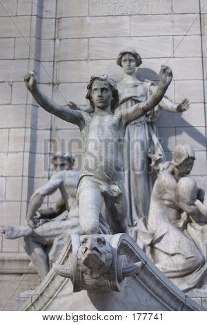 Central Park fontän staty