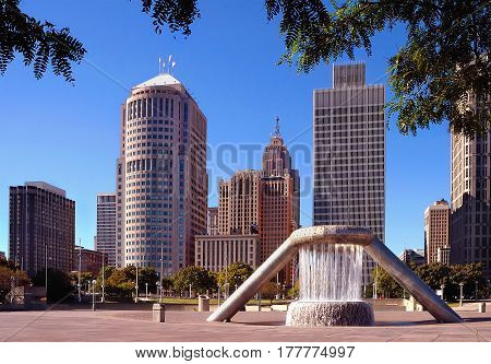 Buildings in downtown detroit business district Plaza