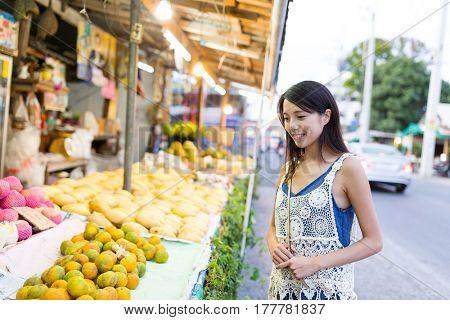 Woman shopping at hawker