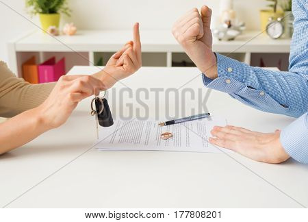 Woman and man going through ugly divorce