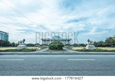 national assembly of south korea from empty road