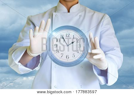 Cook Keeps In The Hands Of The Clock.