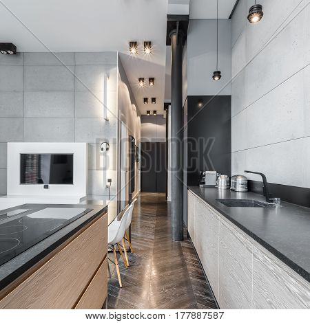 Functional Kitchen With Long Worktop