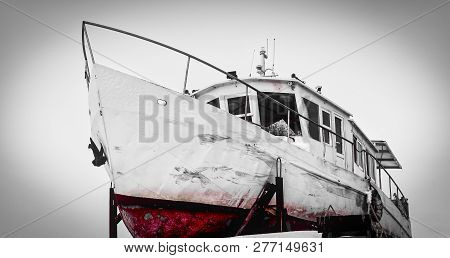 Boats On The Shore,boat On The Slipway, Boat Repair, River Transport, Fishing Boat