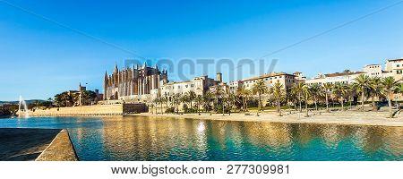 At The Cathedral La Seu Palma De Mallorca Mallorca Spain December 21 2018