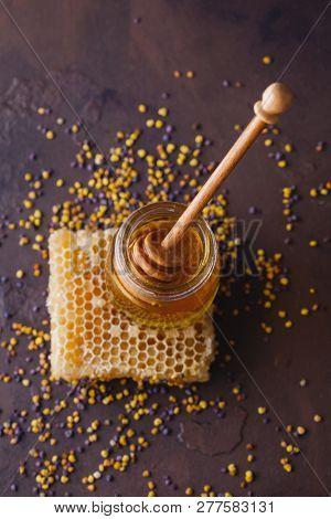 honey products - alternative medicine
