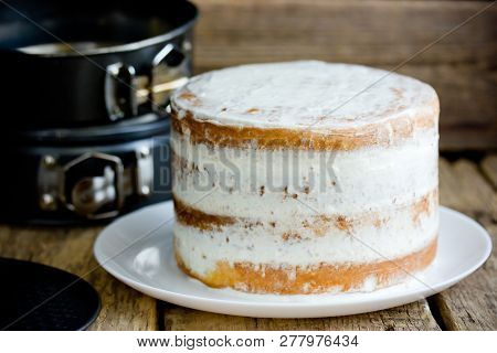 Decorating Cake With Cheese Frosting, Leveling Cake Process