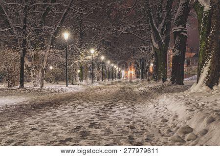 Snowy Path Sidewalk Street Snowfall Lanterns Street Lamps Quiet Scene Peaceful City