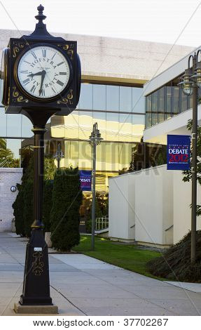 Hofstra University ready for 2012 Second Presidential Debate