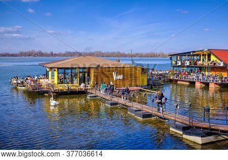 Belgrade / Serbia - February 22, 2020: River Raft Restaurants And Bars On The Danube River In Belgra