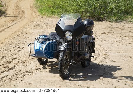 Syktyvkar, Komi Republic\russia \ July 19, 2020\ An Old Motorcycle With A Sidecar On The Beach In Su