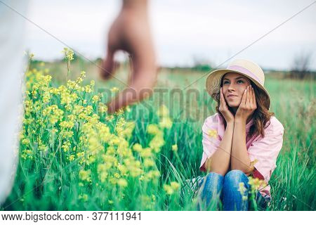Pleasant, Cool, Emotional, Feeling, Teen, Valentine Day, Cheerful, Adult, Lifestyle, Heart, People,