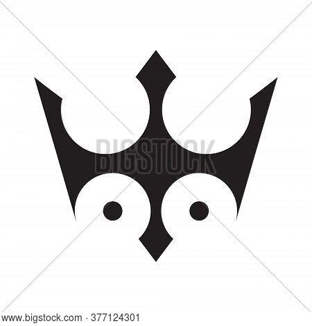 Lord Penguin Logo Company Simple Vector Ilustration