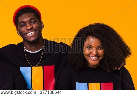 Happy African American Woman And Man Have Relationships, Toothy Smile, Happy To Meet With Friends, D